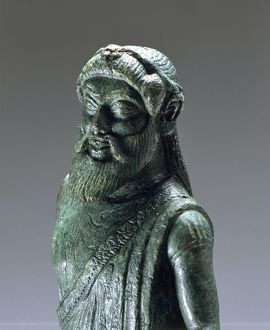Bronze statue depicting Dionysus, Fufluns