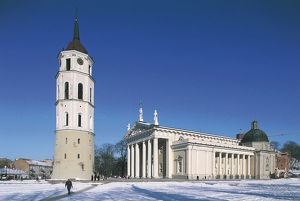 Lithuania, Vilnius, Old Town, cathedral (Arkikatedra) and bell tower
