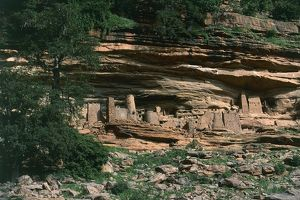 Mali, Mopti Region, Banani, Cliff of Bandiagara, Ancient Tellem houses carved in rock